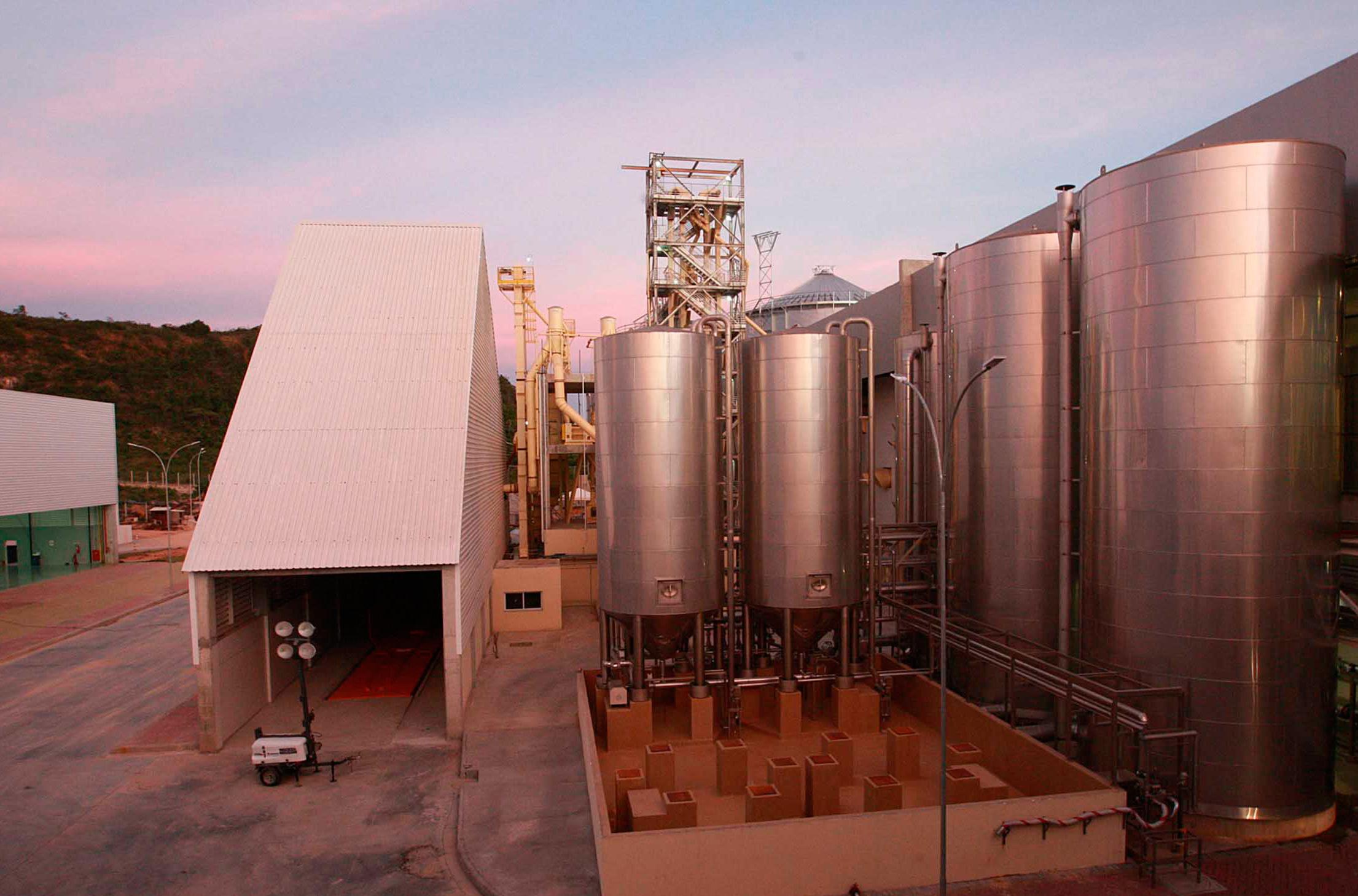 Tanques de Armazenamento da Cervejaria Petrópolis