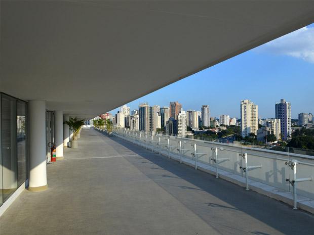 Piso Museu de Artes Contemporâneas - MAC com Fibra de Polipropileno FF54 PRO