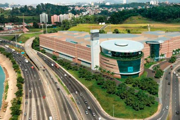 Pisos do Estacionamento do Shopping Tietê Plaza com Cura Química Acrilcura 309R