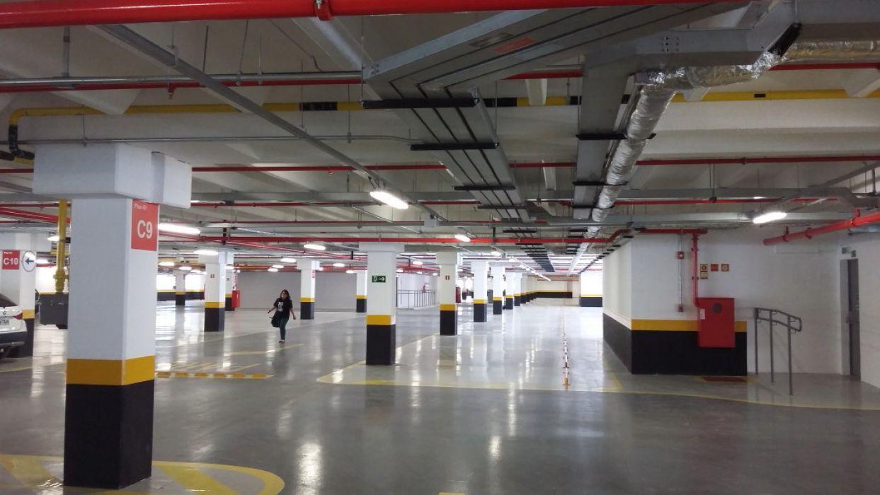 Piso Estacionamento Shopping Itaquera com Macrofibra FF54 PRO